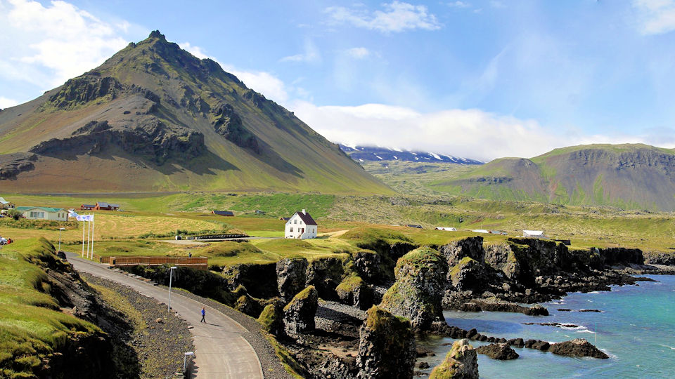 Land Based Iceland Guided Vacation